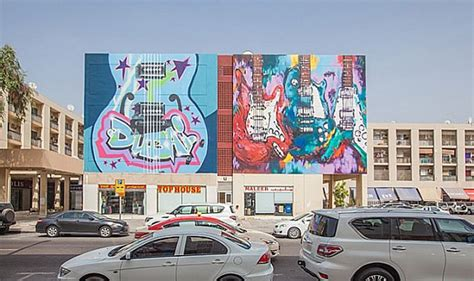 graffiti wallpaper dubai pictures of graffiti art on dubai s karama street walls