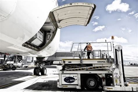 wfs awarded   ground handling contracts  lax