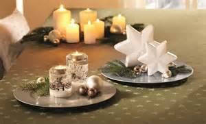 festlicher tisch stimmungsvolle weihnachten der festlich gedeckte tisch