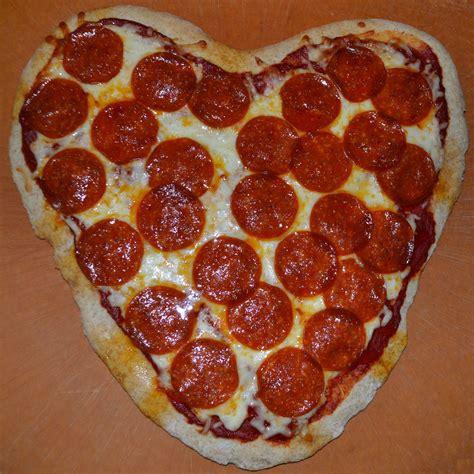 valentines day pizza pizza