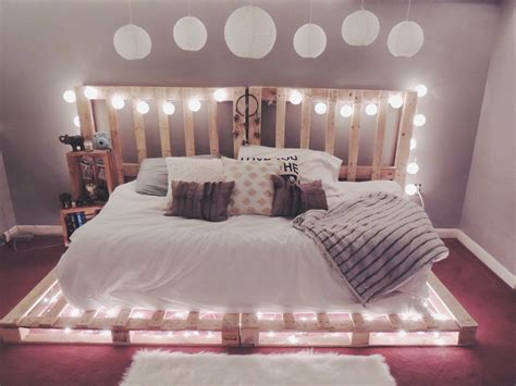 picture of ideas to hang christmas lights in a bedroom