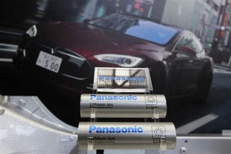 Tesla Car Battery Problems Tesla Co Founder Jb Straubel Hints At Forthcoming