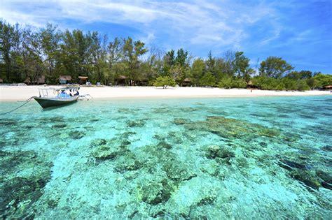 gili meno indonesia dive sites around gili meno indonesia scuba diver life