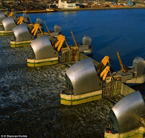 thames defence barrier new map shows how london could have become an underwater