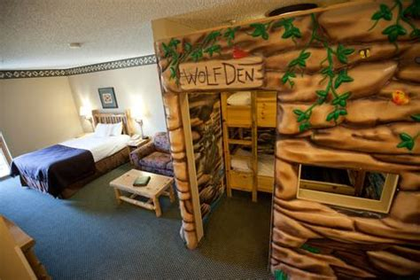 great wolf lodge hotel rooms great wolf lodge niagara falls guest room 3 of 9