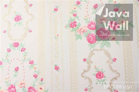 jual wallpaper dinding diva dv motif bunga warna pink