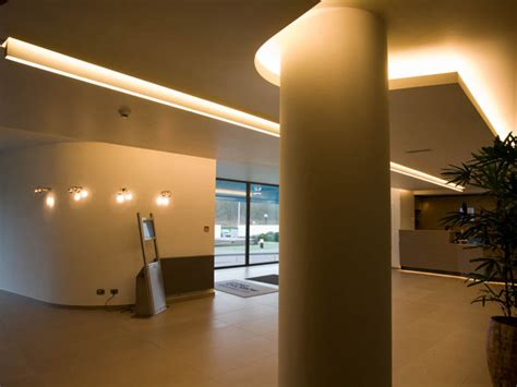 Indirect Light by Living Tomorrow Entrance Lumco