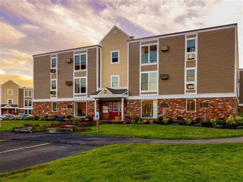 Apartment Communities Ma The Boulders Apartment Homes Rentals South Amherst Ma