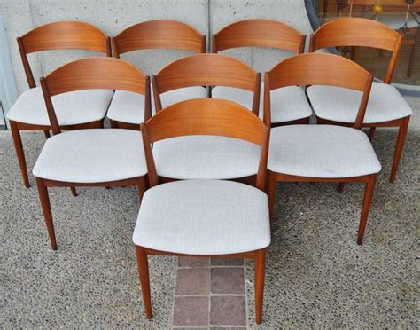 Set Eight Curved Back Danish Modern Restored Teak Dining Curved Back Dining Room Chairs