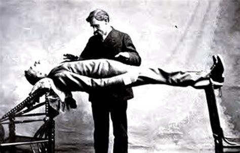 Enjoying With Hypnosis Untuk Kehidupan Sehari Hari Eiroul Bm belajar ilmu cara hipnotis orang menghipnotis wanita
