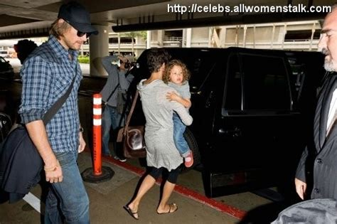Vitality Glowcap Provides A Simple Eat Me Reminder by 4 Photos Of Halle Nahla And Gabriel At Lax