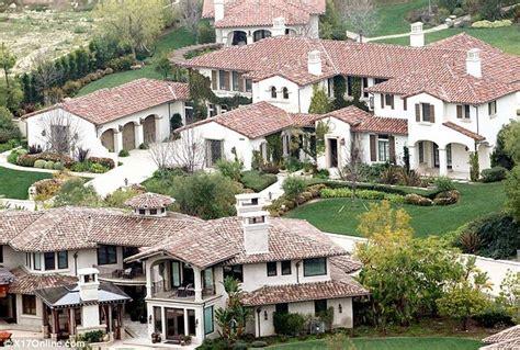justin biebers haus justin biebers house and neighborhood see where he races