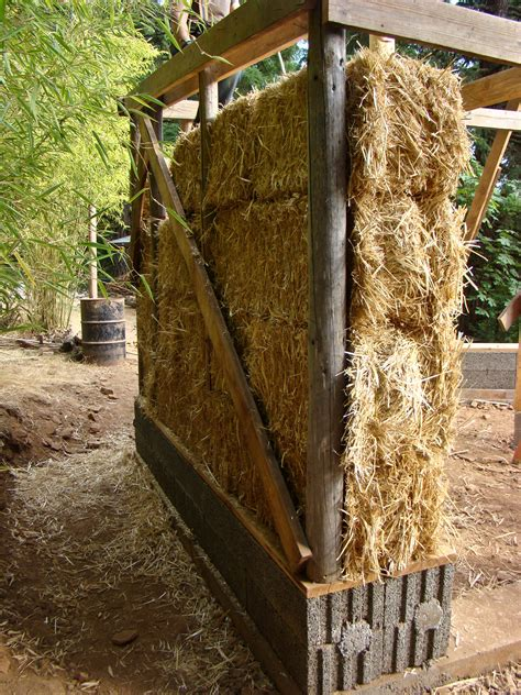 straw bale garden wall 1000 images about straw bale construction on straw bales straw bale construction