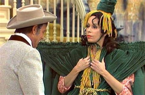 carol burnett curtain dress smithsonian 10 things you didn t know about carol burnett plus will