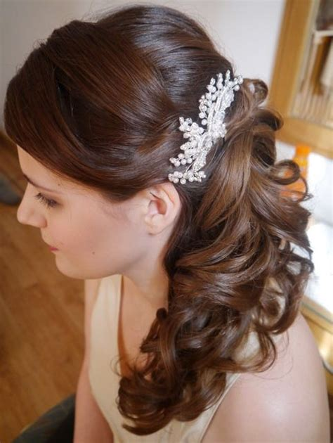 Wedding Hairstyles Curls To The Side by 17 Best Images About Hair On Side Swept Curls