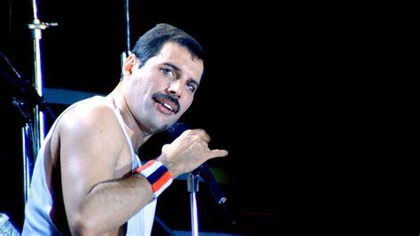 Freddie under pressure live in budapest 86