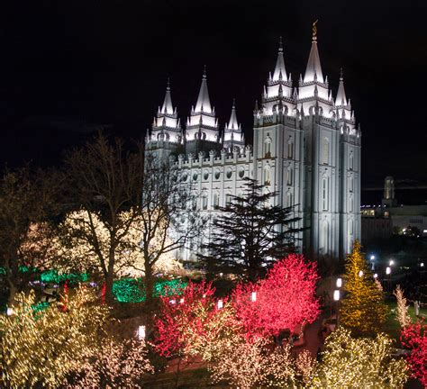pool city christmas trees mormonism in pictures temple square dressed for