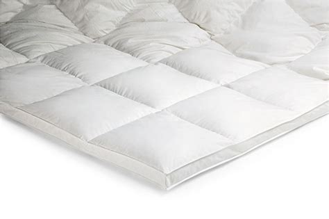feather bed toppers everything you need to know about feather bed topper