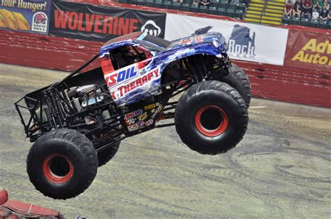 monster truck show dayton ohio dayton ohio monster jam march 17 2012 2pm show