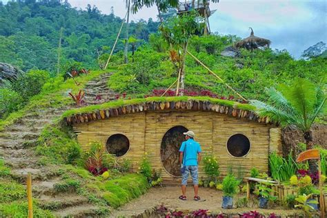 Membuat Rumah Hobbit | karanganyar juga punya wisata rumah hobbit lho yuk cus