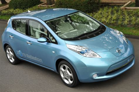 nissan cars nissan unveils leaf electric car carfab com
