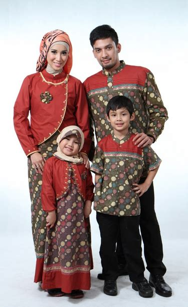 koleksi model baju muslim terbaru untuk keluarga kabarmakkah