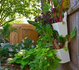 gardening landscaping easy to build a vertical