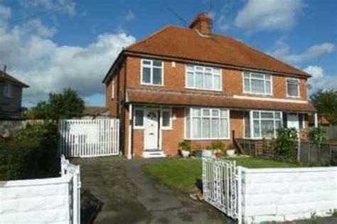3 bedroom house for sale reading 3 bedroom semi detached house for sale in whitley wood road reading rg2
