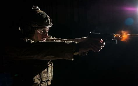 wallpaper imagenes militares fondos militares soldado disparando wallpapers wallpapers