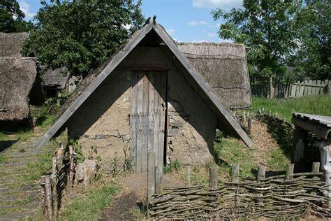 modern viking longhouse design danelaw murton park viking house vikings and building