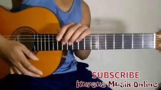tutorial belajar gitar blues belajar gitar chord em tutorial guitar chord basic youtube
