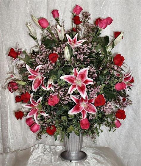 unique floral delivery 9 best dozen roses images on pinterest floral