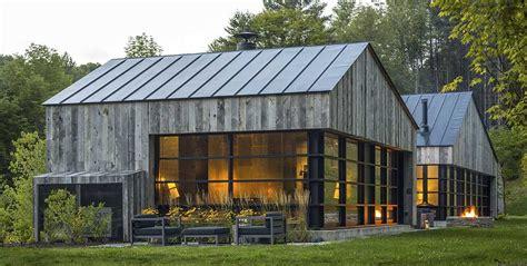 Barn Roofs by M 233 Lange De Modernit 233 Et Tradition Pour Cette Maison Bois