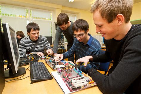 Hardware Design Engineer by Top 10 Highest Paying Tech