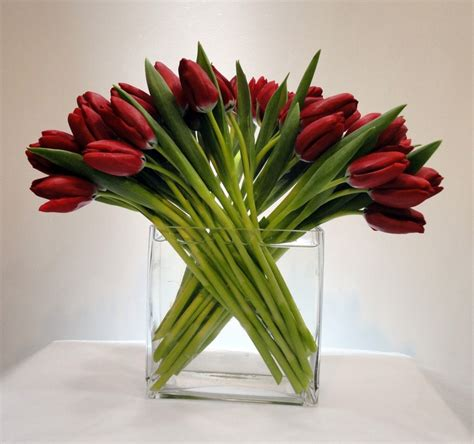tulips arrangements tulip flower arrangement tablescapes pinterest