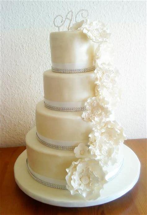 Hochzeitstorte Edel by 4 St 246 Ckige Hochzeitstorte Motivtorten Fotos Forum
