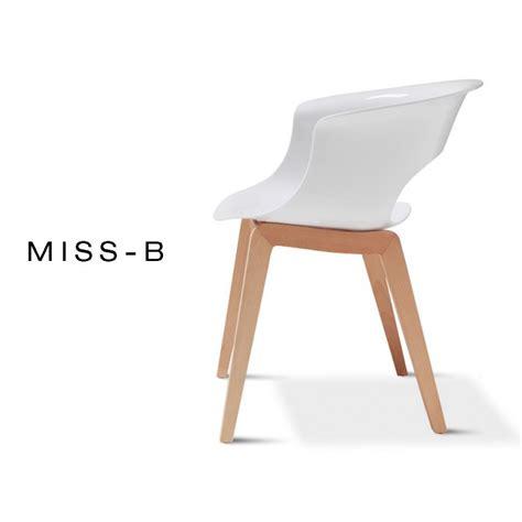 chaise de jardin blanche chaises de jardin blanches plastique beautiful table de