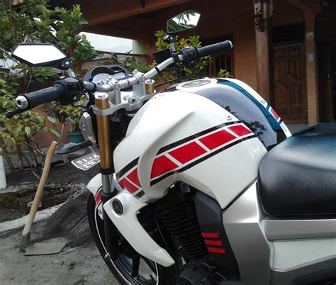Stiker Cutting Byson 8x8 Scotlite Iwanbanaran All About Motorcycles 187 Modif Minimalis