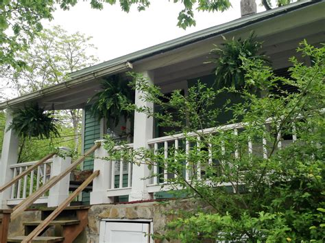Cottages In Eureka Springs Arkansas by Cottages In Eureka Springs The Cottage Downtown Eureka