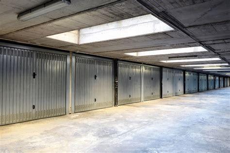 costo box auto basculante garage e box manuale e motorizzata prezzi e
