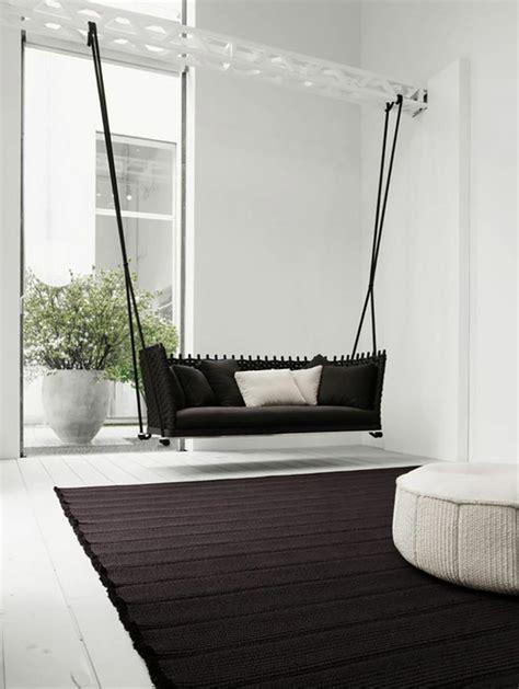 Un intérieur sympa avec une balançoire pour adulte