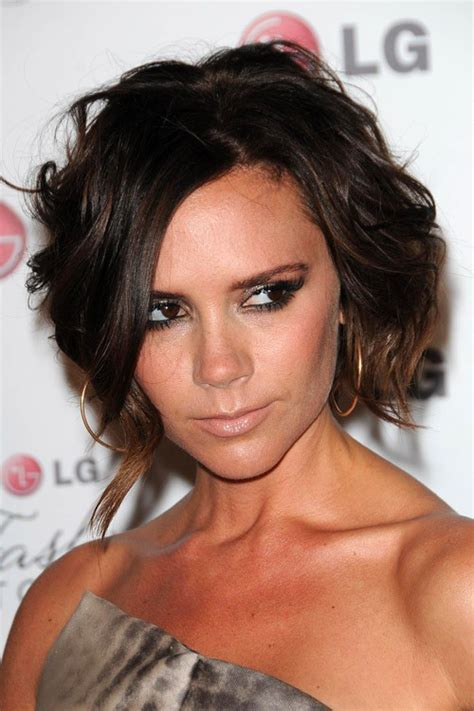 victoria beckah hair type victoria beckham clothes outfits steal her style