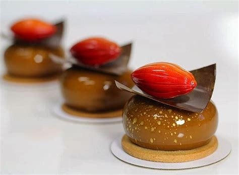 Petit Gateaux by Tasty Petit Gateau Recipes On Patisserie Bolo