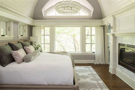 Cathedral Ceiling Bedroom by 1000 Ideas About Cathedral Ceiling Bedroom On