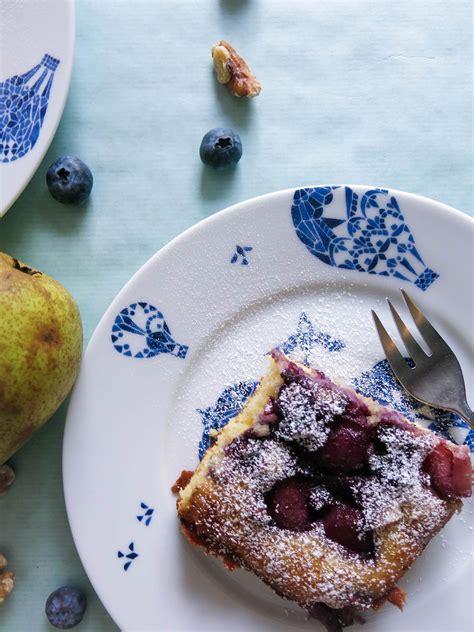 kuchen mit honig backen marzipan kuchen mit honig birnen und blaubeeren
