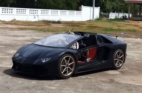 lamborghini replica this aventador replica has a retractable hardtop and