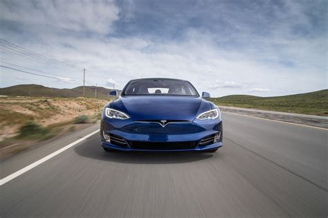 Reviews Of Tesla 2016 Tesla Model S P90d Drive Review Motor Trend