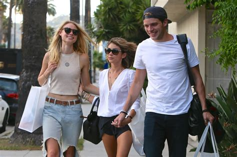 sarah hyland takes out her sarah hyland shows off her legs out in la april 2015