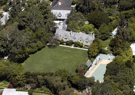 tom cruise house tom cruise in celebrity homes zimbio