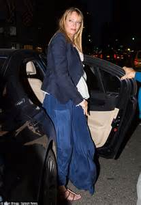 Uma Single Again by Uma Thurman Goes The Top In Extremely Baggy Trousers